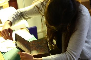 Démontage d'un livre en piteux état