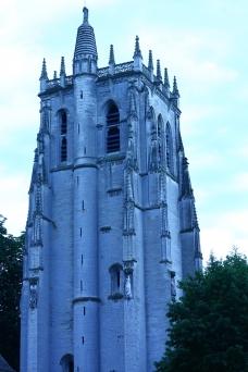 La tour de l'ancienne abbatiale