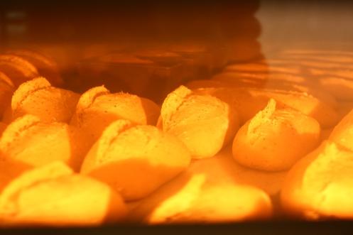Le pain cuit.