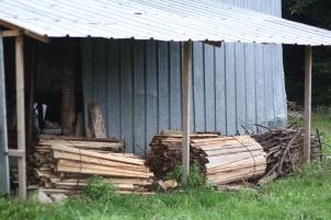Réserve de bois pour le four à pain.