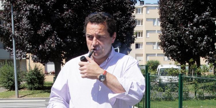 le-candidat-a-la-primaire-de-la-droite-jean-frederic-poisson-se-dit-plus-proche-de-marion-marechal-le-pen-que-de-nkm